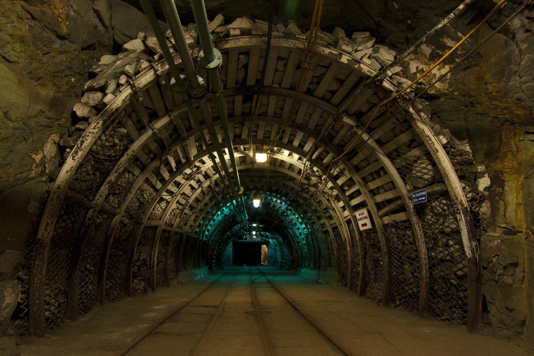 Mining3-1.jpg